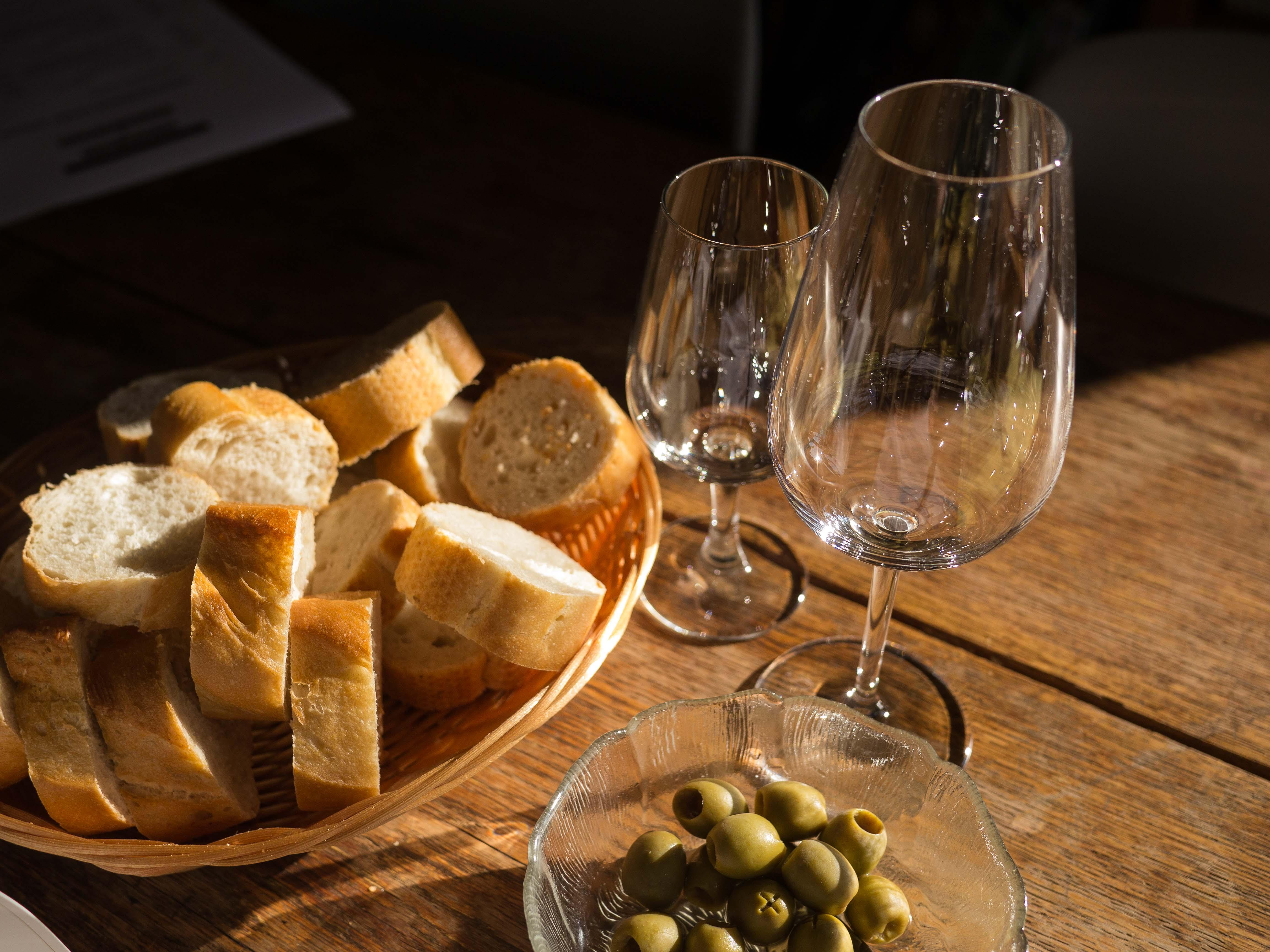 Oliven und Brot